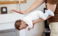 Hóc dị vật ở trẻ: Nhiều cha mẹ bất lực nhìn con ngừng thở dần