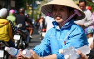 1.000 người diễu hành 3km trong Tết Nguyên tiêu ở Sài Gòn